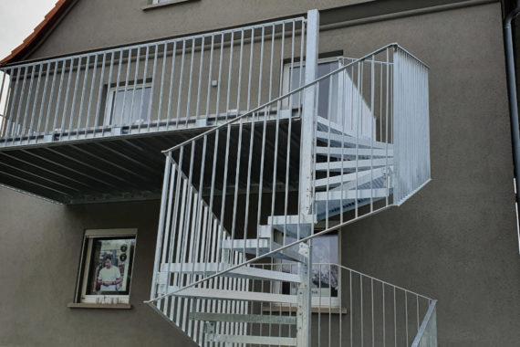 Anbaubalkon und Außentreppe