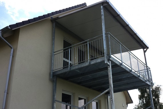 großflächiger Balkon